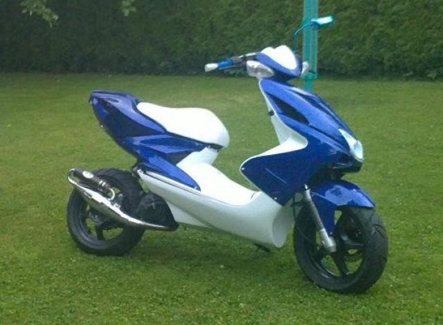 yamaha aerox blau weiß